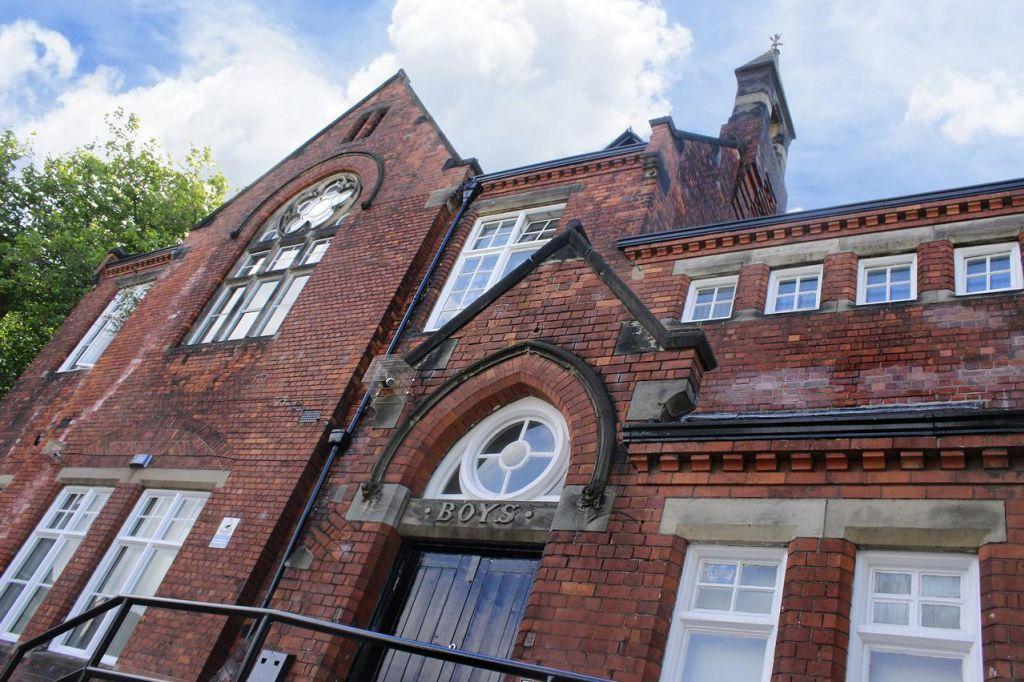 Charterhouse Ln