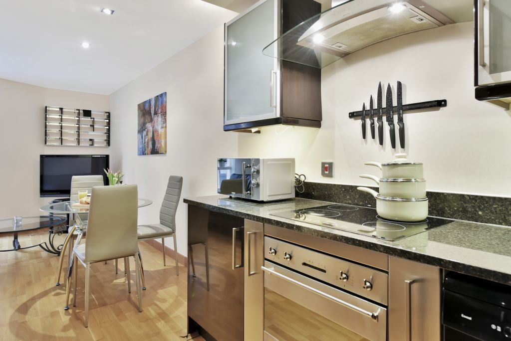 image 5 furnished 2 bedroom Apartment for rent in Limehouse, Tower Hamlets