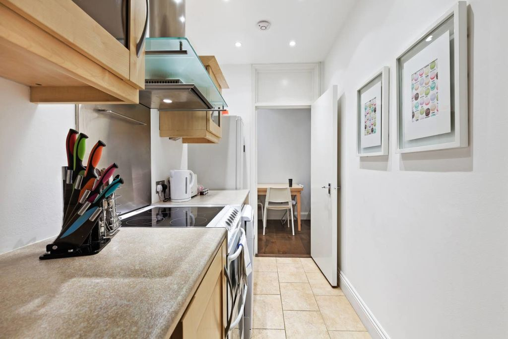 image 5 furnished 1 bedroom Apartment for rent in Earls Court, Kensington Chelsea