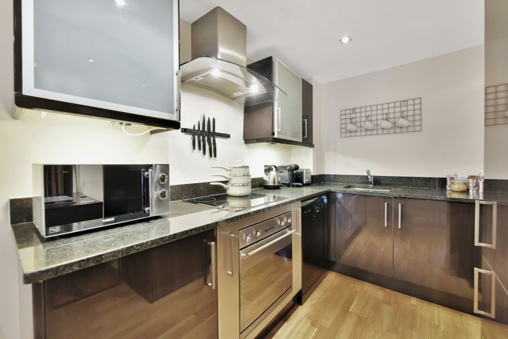 image 7 furnished 2 bedroom Apartment for rent in Limehouse, Tower Hamlets