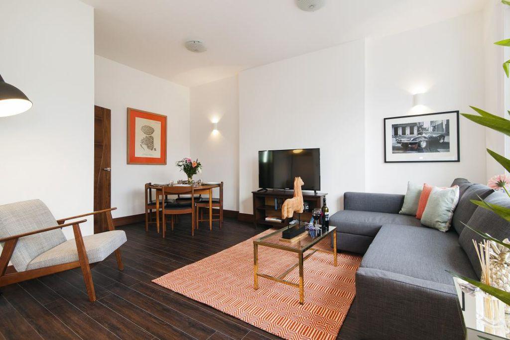 image 3 furnished 2 bedroom Apartment for rent in Holland Park, Kensington Chelsea