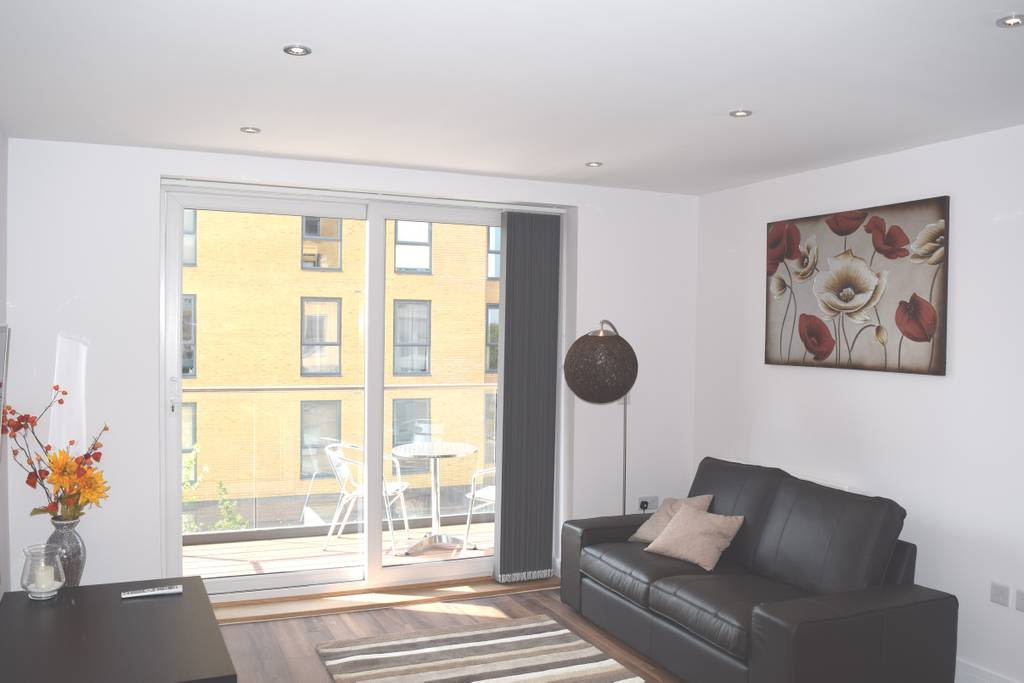 image 6 furnished 2 bedroom Apartment for rent in Whitley, Coventry