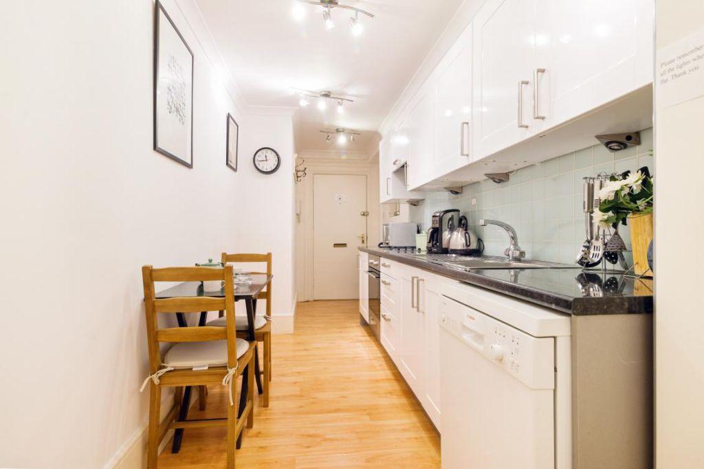 image 4 furnished 2 bedroom Apartment for rent in Chelsea, Kensington Chelsea