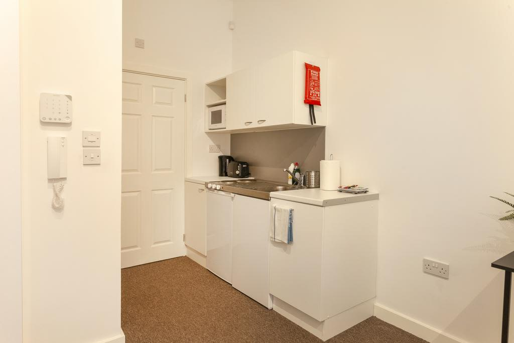 image 6 furnished 1 bedroom Apartment for rent in Sefton, Merseyside