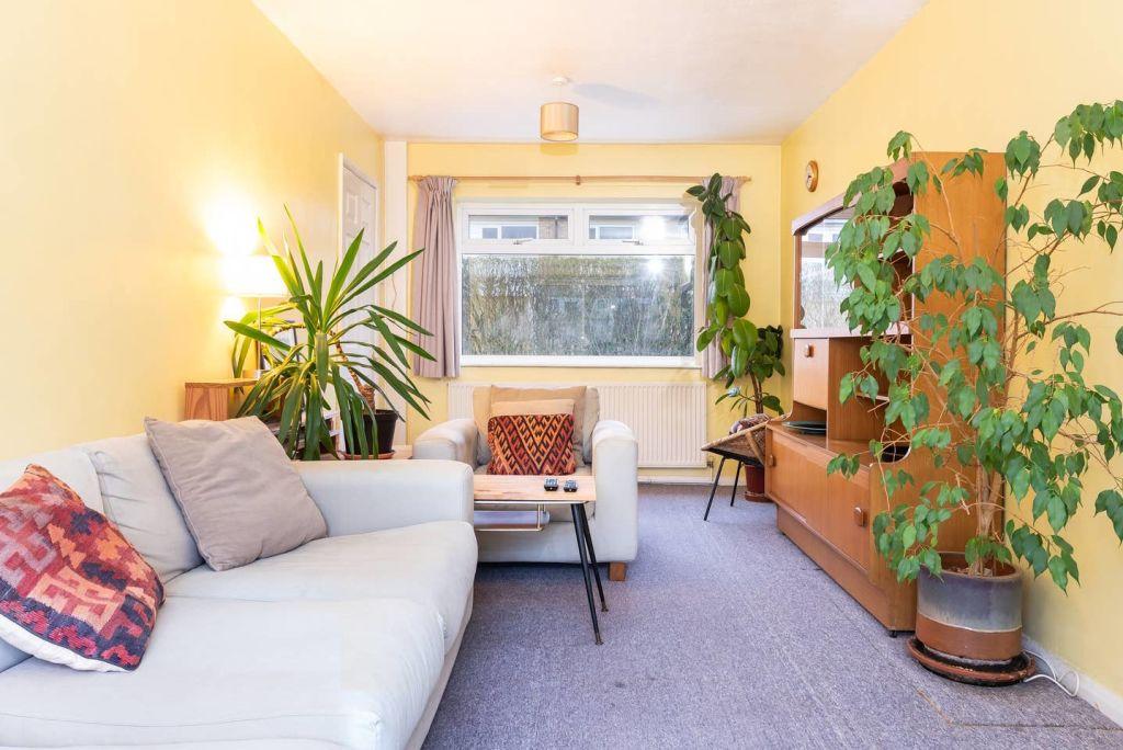 image 1 furnished 3 bedroom Apartment for rent in Leeds, West Yorkshire