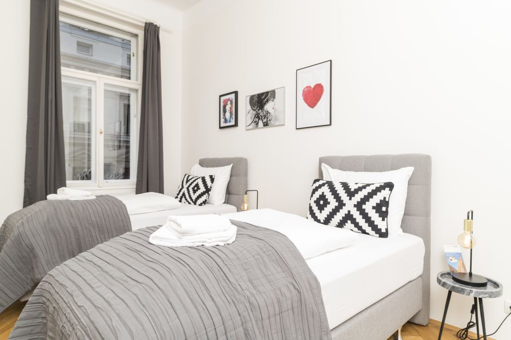 image 9 furnished 3 bedroom Apartment for rent in Innere Stadt, Vienna