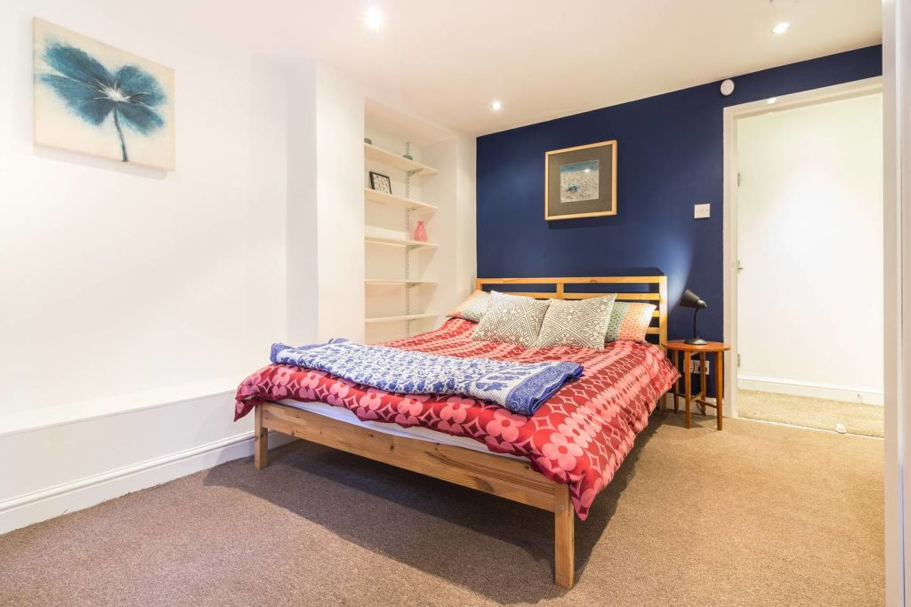 image 9 furnished 2 bedroom Apartment for rent in Hackney Downs, Hackney