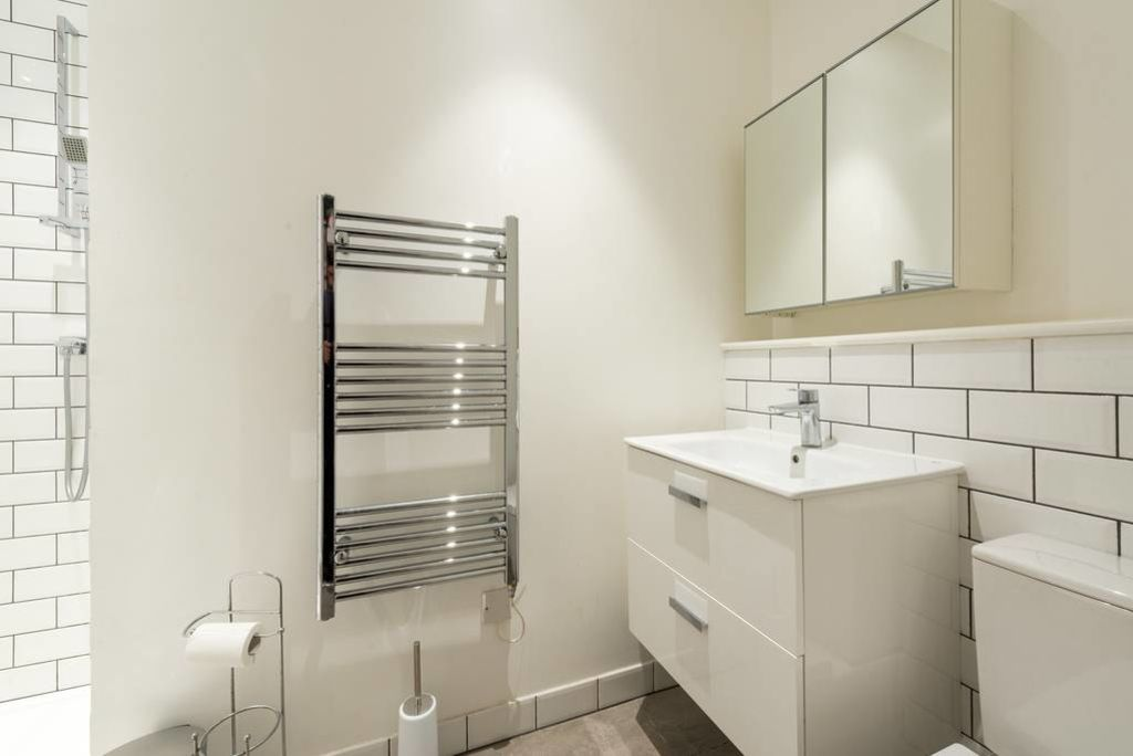 image 6 furnished 1 bedroom Apartment for rent in West Hampstead, Camden