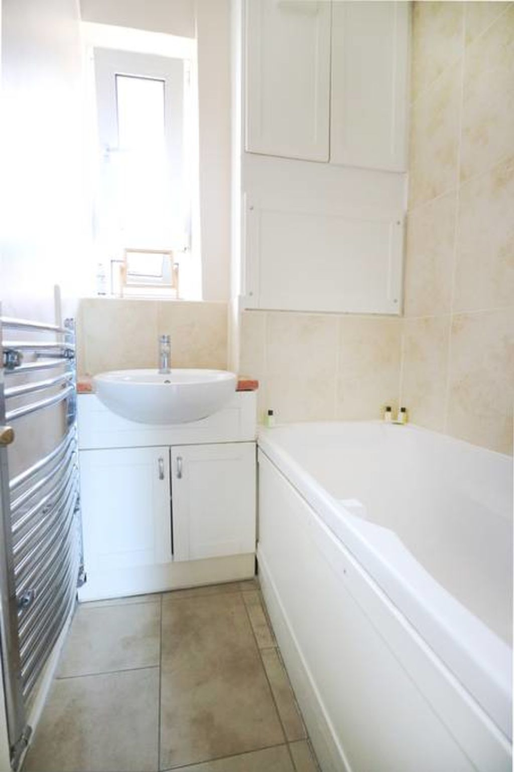 image 7 furnished 3 bedroom Apartment for rent in Spitalfields, Tower Hamlets