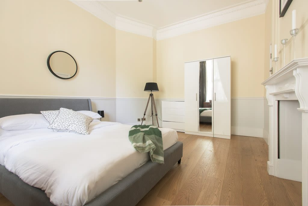 image 8 furnished 4 bedroom Apartment for rent in Westminster, City of Westminster