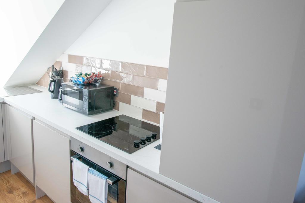 image 5 furnished 1 bedroom Apartment for rent in South Wimbledon, Merton