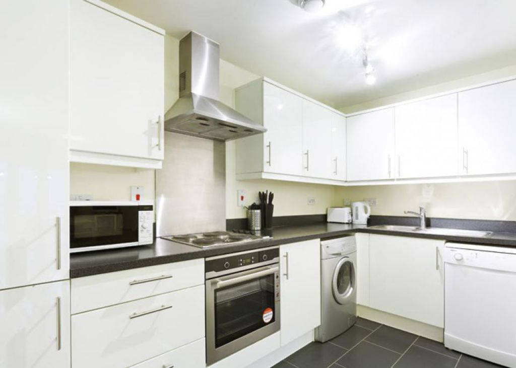 image 5 furnished 2 bedroom Apartment for rent in Dacorum, Hertfordshire