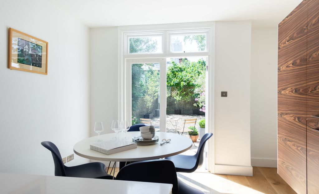 image 10 furnished 4 bedroom Apartment for rent in White City, Hammersmith Fulham