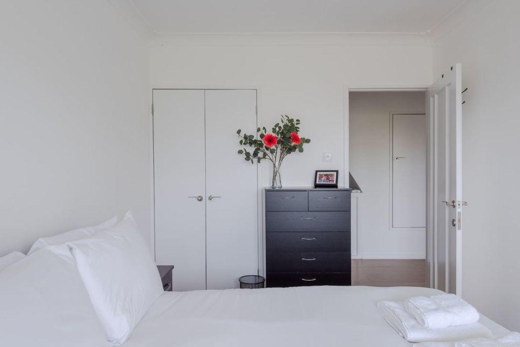 image 7 furnished 2 bedroom Apartment for rent in Mile End, Tower Hamlets