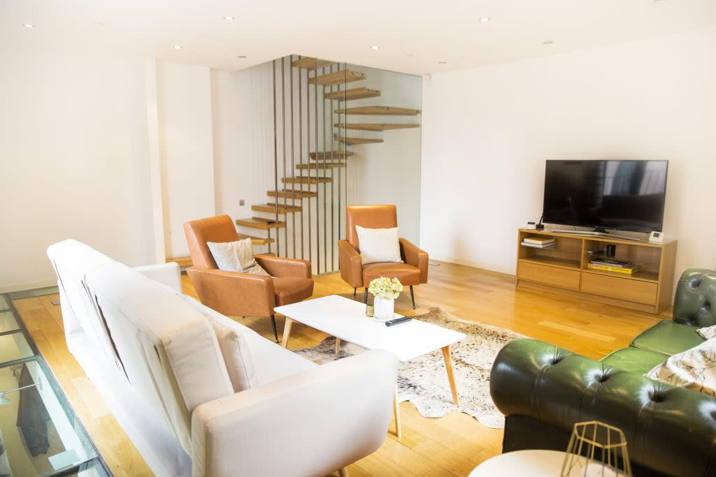 image 4 furnished 3 bedroom Apartment for rent in Covent Garden, City of Westminster
