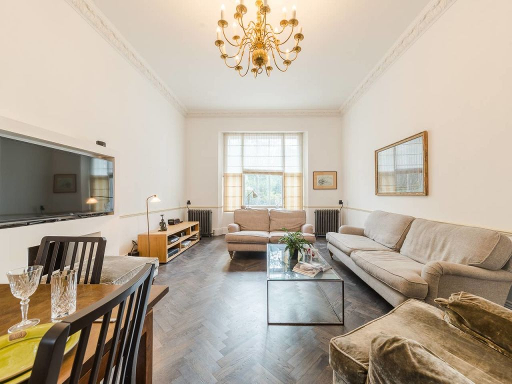 image 2 furnished 3 bedroom Apartment for rent in Enfield Town, Enfield