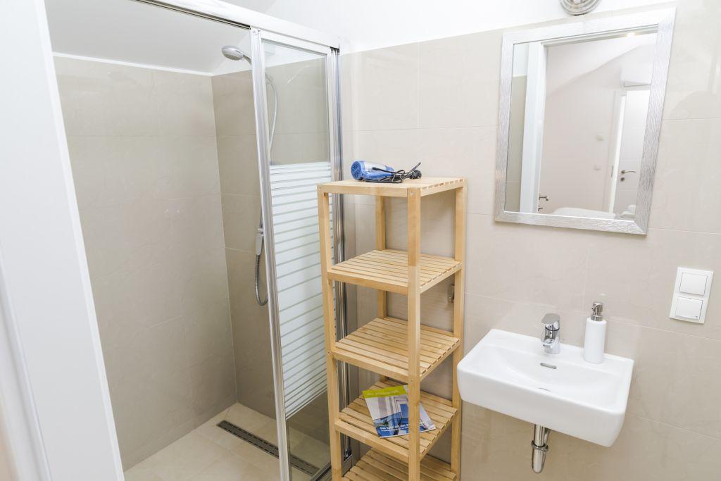 image 8 furnished 3 bedroom Apartment for rent in Landstrabe, Vienna