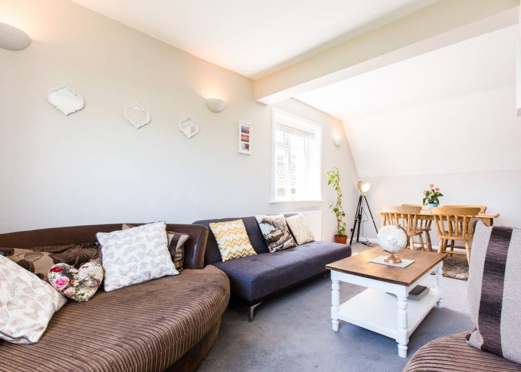 image 2 furnished 3 bedroom Apartment for rent in Brighton - Hove, East Sussex