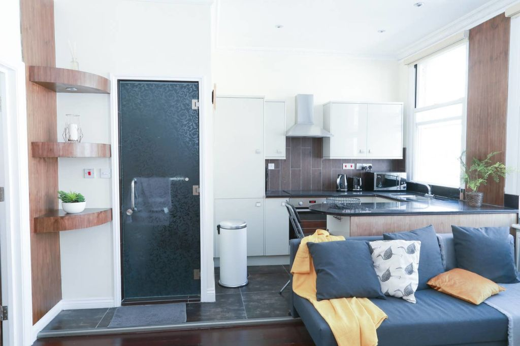 image 3 furnished 1 bedroom Apartment for rent in Covent Garden, City of Westminster