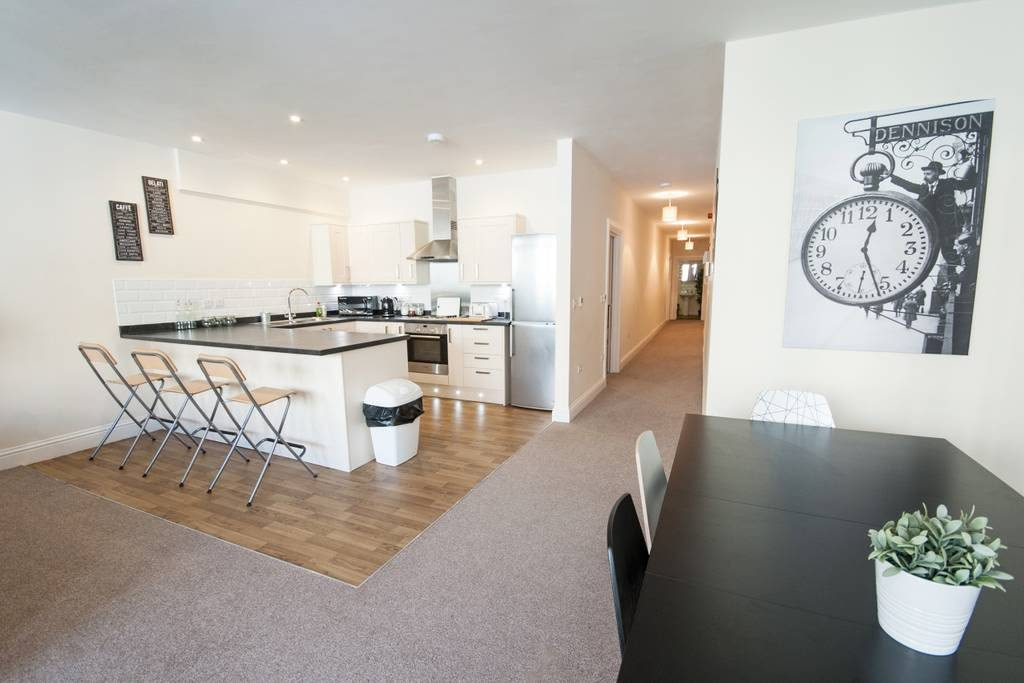 image 7 furnished 3 bedroom Apartment for rent in Clifton East, Bristol
