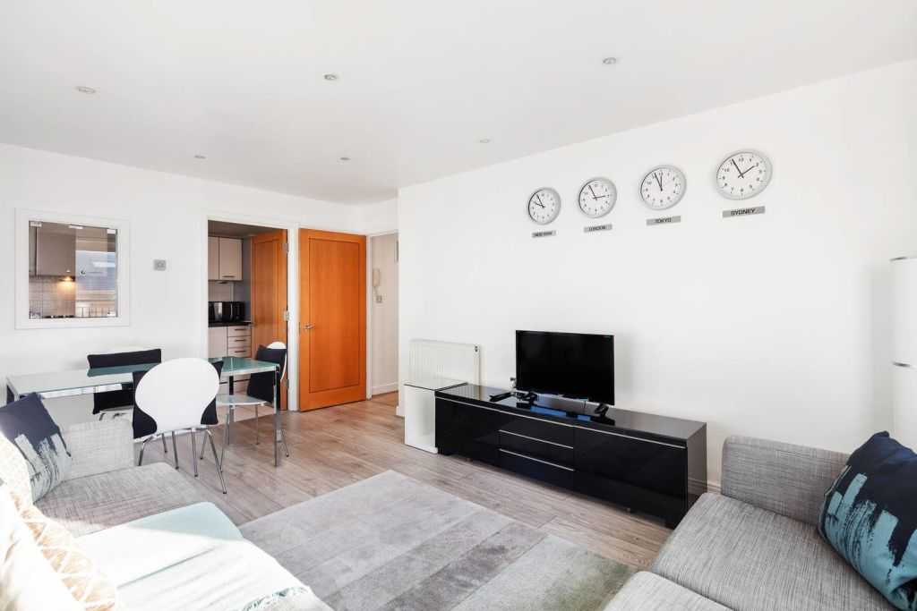 image 5 furnished 2 bedroom Apartment for rent in Cubitt Town, Tower Hamlets