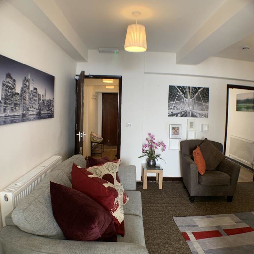 image 3 furnished 1 bedroom Apartment for rent in Luton, Bedfordshire