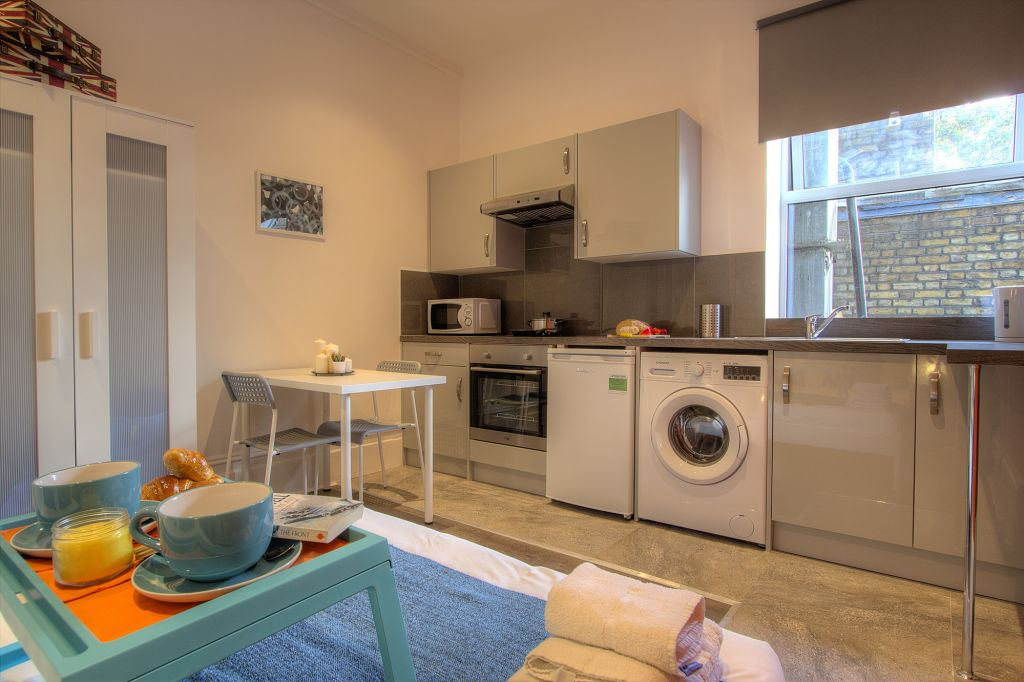 image 7 furnished 1 bedroom Apartment for rent in Willesden, Brent