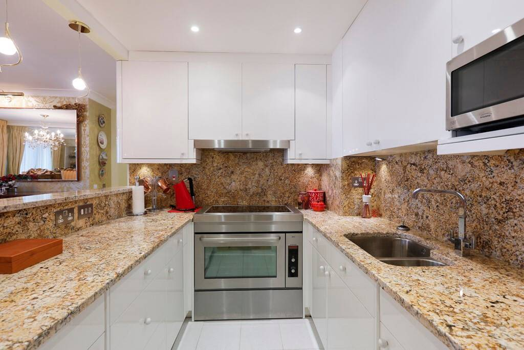 image 10 furnished 3 bedroom Apartment for rent in Cubitt Town, Tower Hamlets