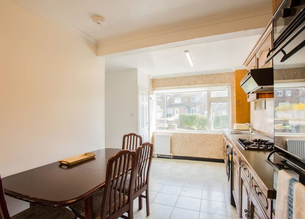 image 7 furnished 3 bedroom Apartment for rent in Brighton - Hove, East Sussex
