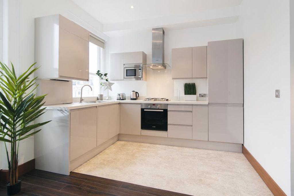 image 8 furnished 2 bedroom Apartment for rent in Holland Park, Kensington Chelsea