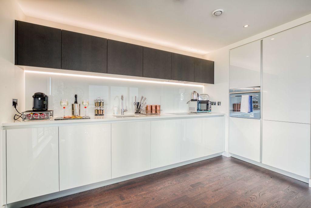 image 9 furnished 2 bedroom Apartment for rent in Brentford, Hounslow