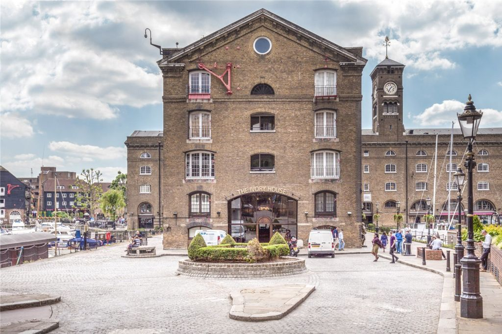image 10 furnished 2 bedroom Apartment for rent in Wapping, Tower Hamlets