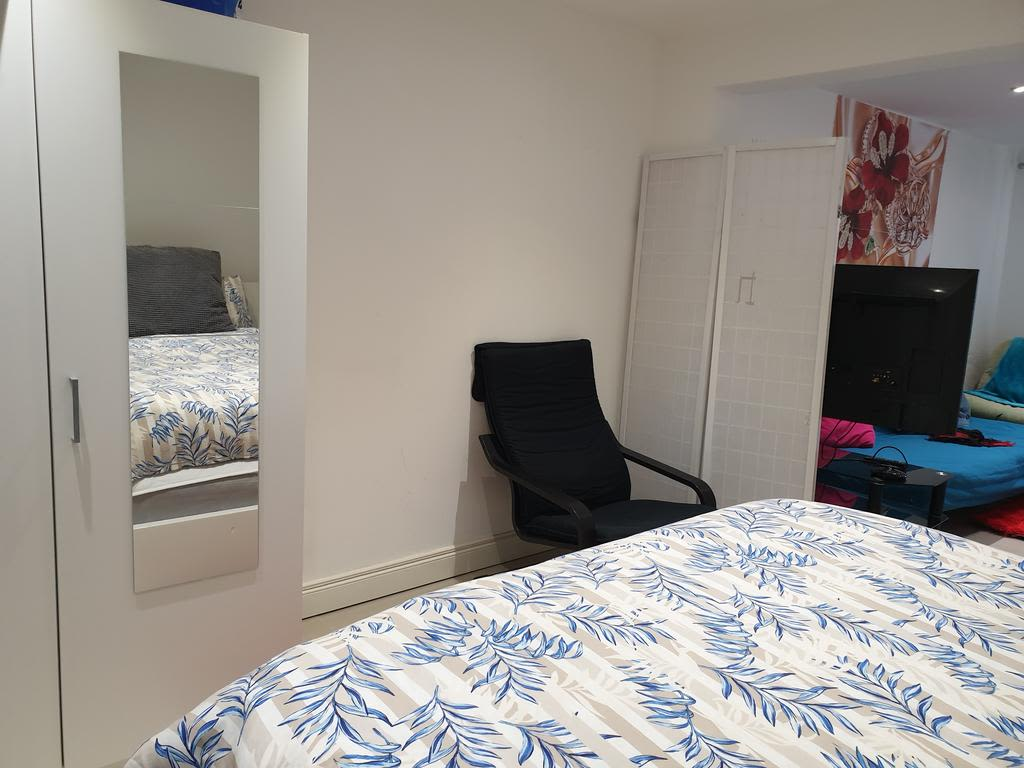 image 4 furnished 1 bedroom Apartment for rent in Luton, Bedfordshire