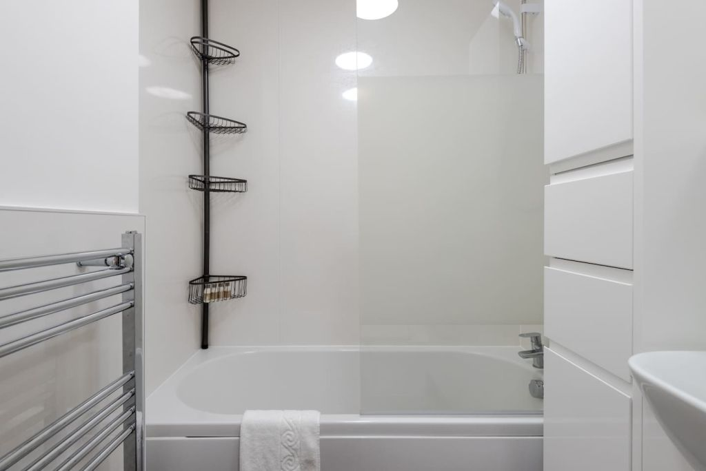 image 5 furnished 2 bedroom Apartment for rent in Mile End, Tower Hamlets