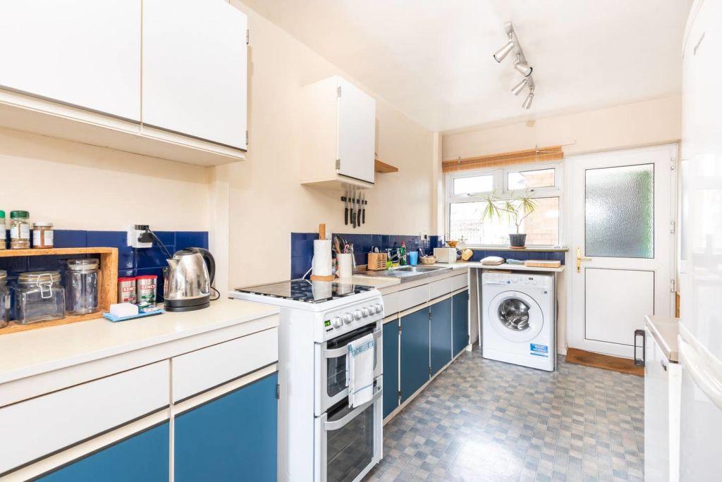 image 5 furnished 3 bedroom Apartment for rent in Leeds, West Yorkshire