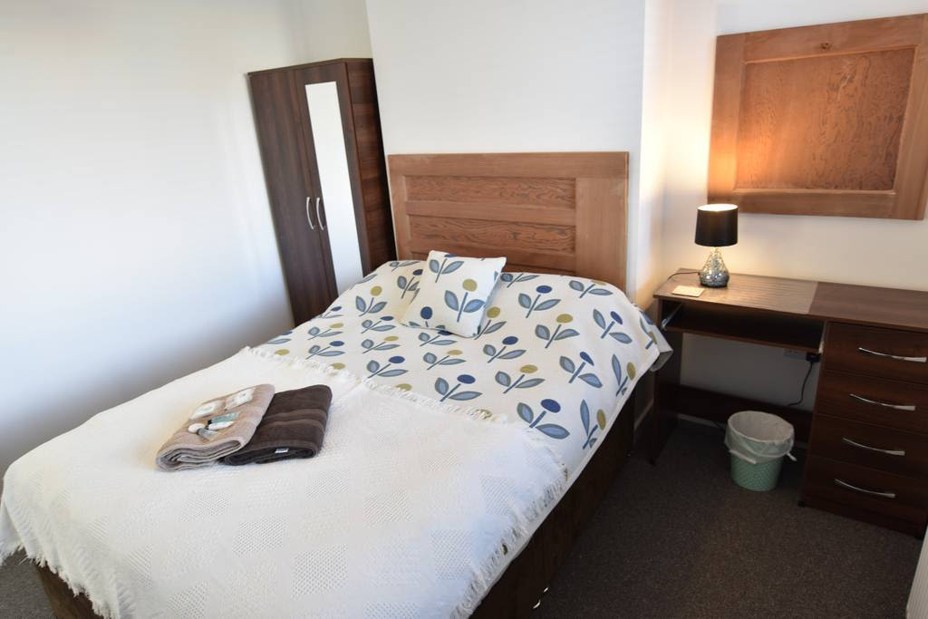 image 4 furnished 4 bedroom Apartment for rent in Wyken, Coventry