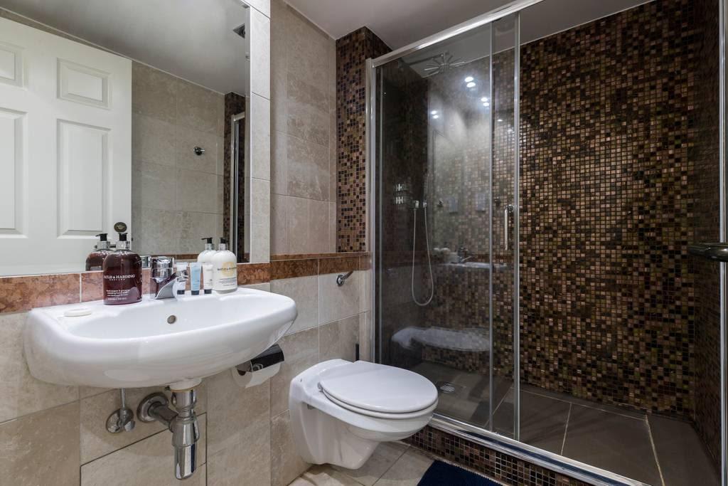 image 9 furnished 2 bedroom Apartment for rent in Kilburn, Brent