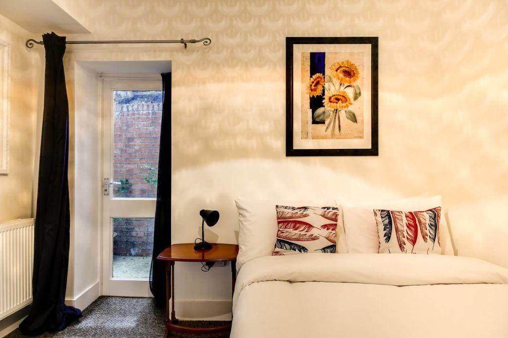 image 6 furnished 2 bedroom Apartment for rent in Hackney Downs, Hackney