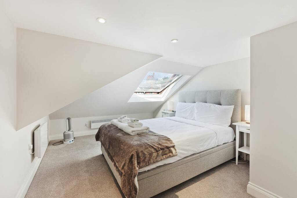 image 9 furnished 1 bedroom Apartment for rent in Shepherds Bush, Hammersmith Fulham