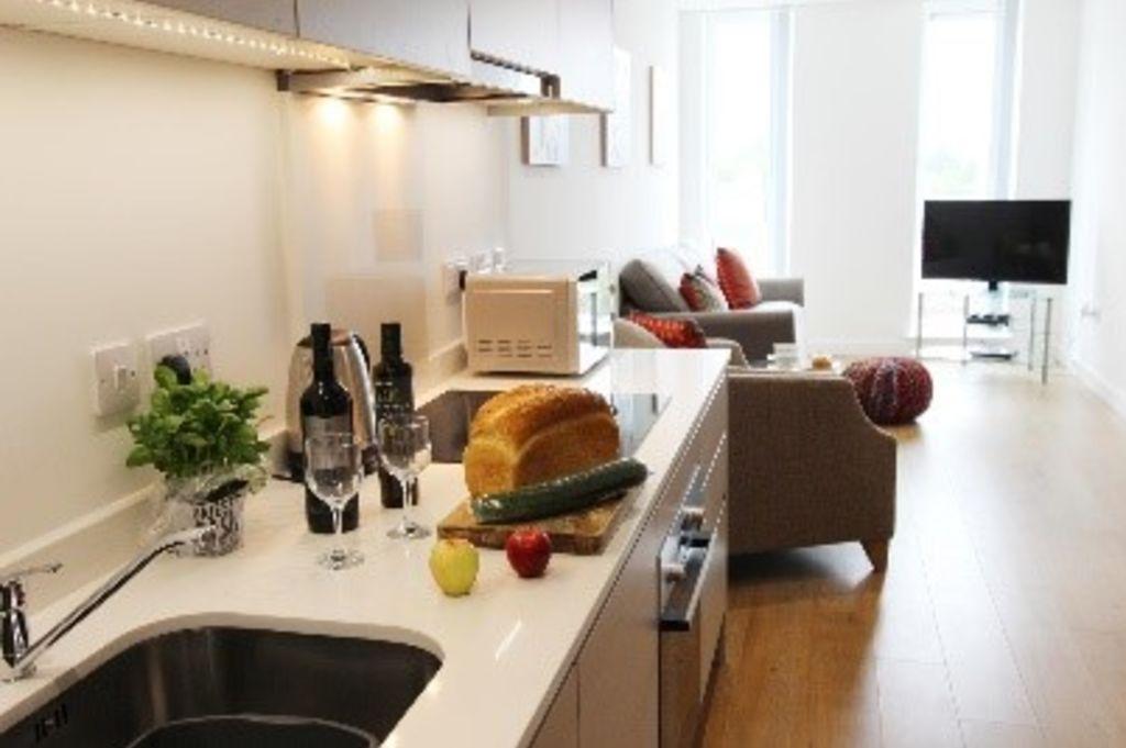 image 1 furnished 2 bedroom Apartment for rent in Bracknell Forest, Berkshire