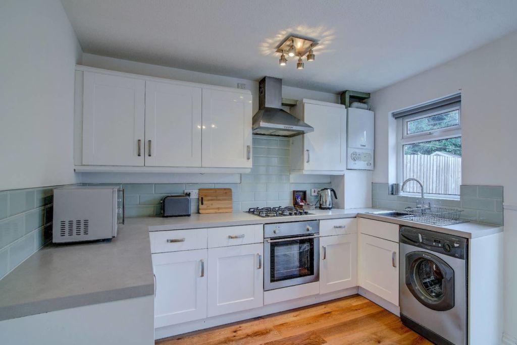 image 4 furnished 2 bedroom Apartment for rent in Wythenshawe, Manchester