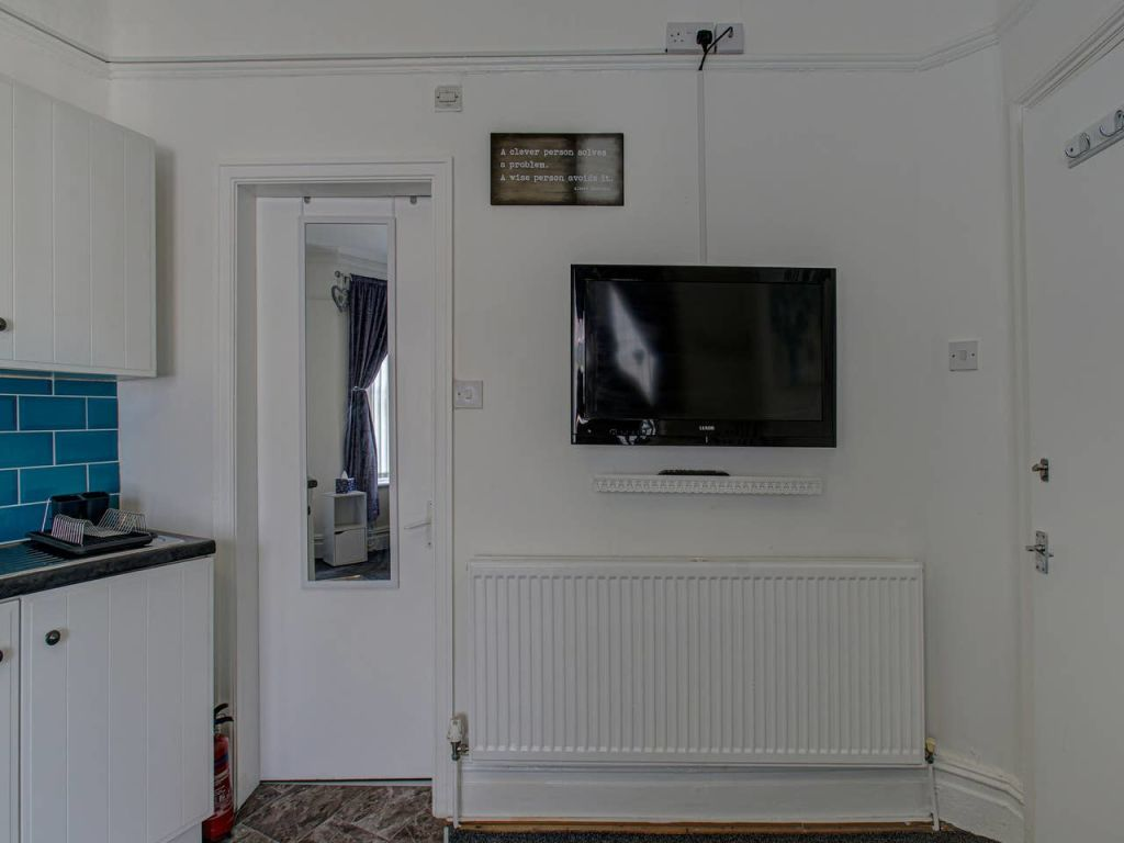 image 3 furnished 1 bedroom Apartment for rent in Trafford, Greater Manchester
