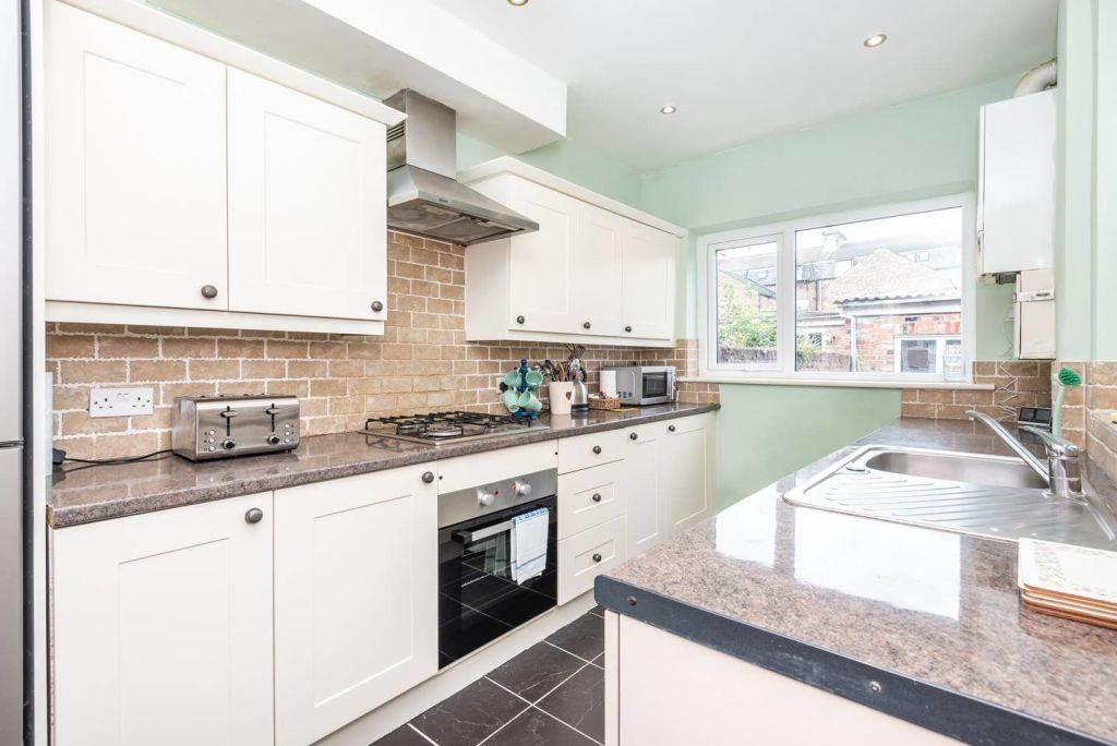 image 4 furnished 3 bedroom Apartment for rent in City of York, North Yorkshire NE
