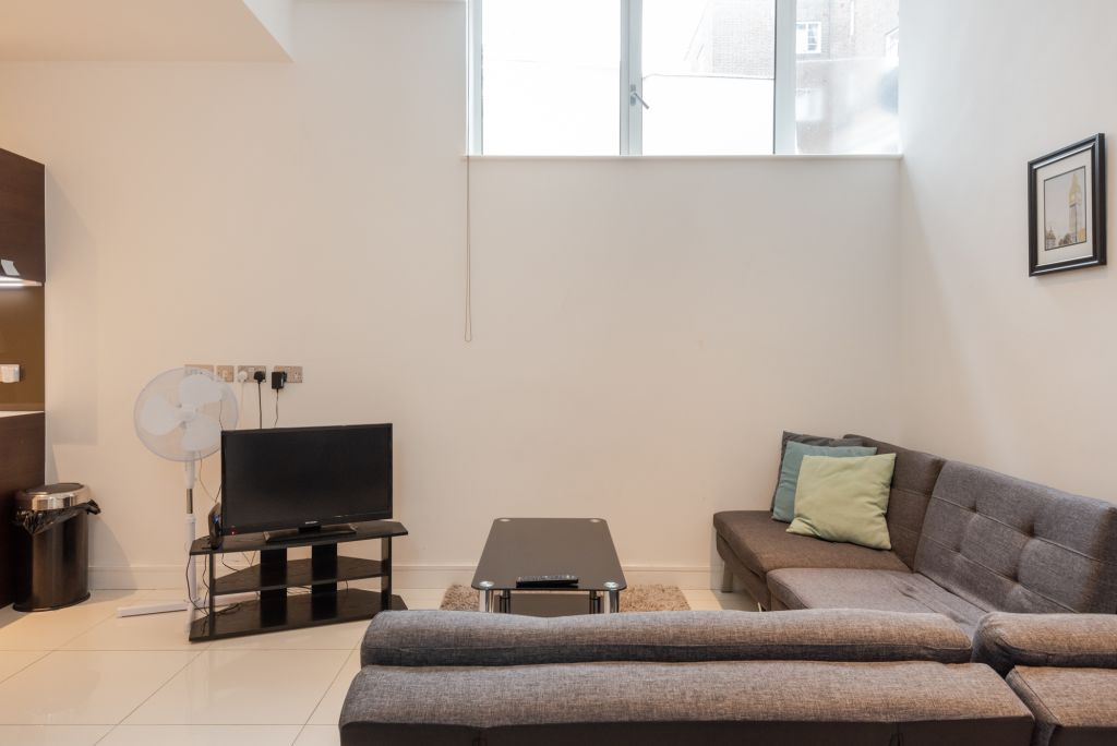 image 2 furnished 1 bedroom Apartment for rent in Kings Cross, Camden
