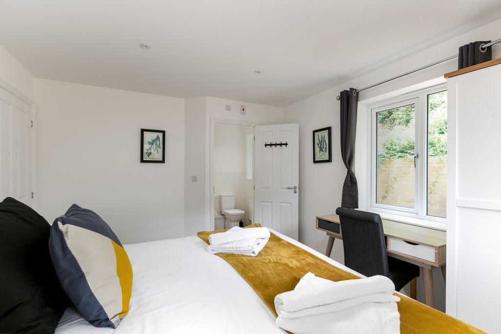 image 5 furnished 2 bedroom Apartment for rent in East Hertfordshire, Hertfordshire