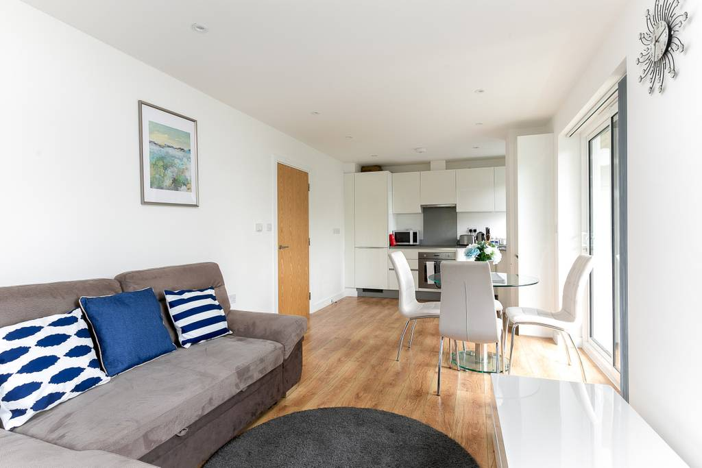 image 6 furnished 1 bedroom Apartment for rent in Enfield Town, Enfield