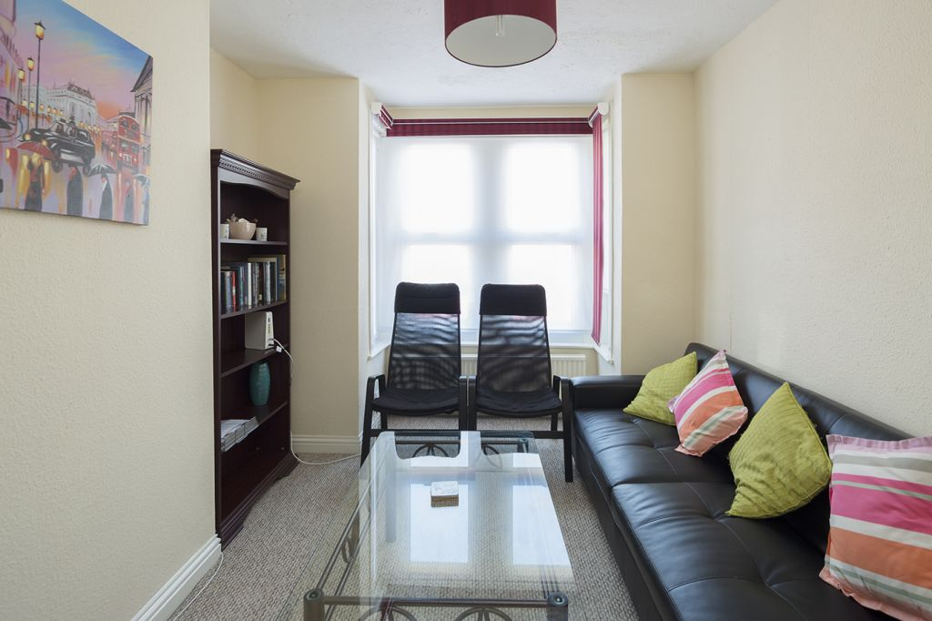 image 6 furnished 3 bedroom Apartment for rent in Medway, Kent