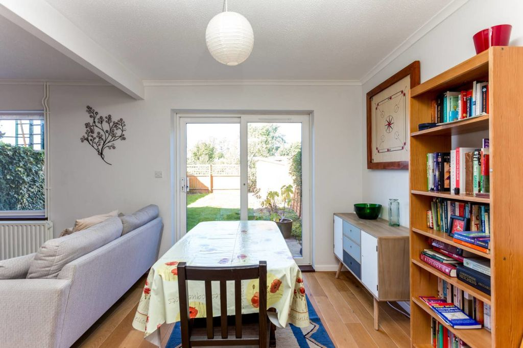 image 2 furnished 2 bedroom Apartment for rent in Cambridge, Cambridgeshire