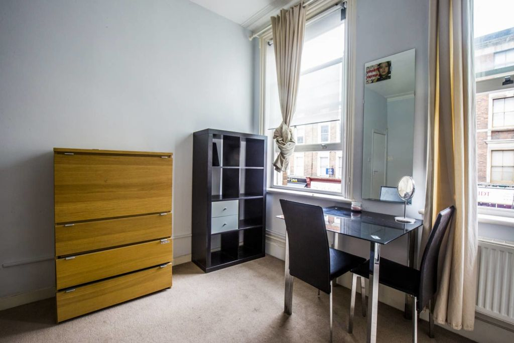 image 8 furnished 3 bedroom Apartment for rent in West Hampstead, Camden
