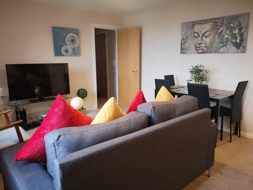 image 4 furnished 1 bedroom Apartment for rent in Longford, Hillingdon